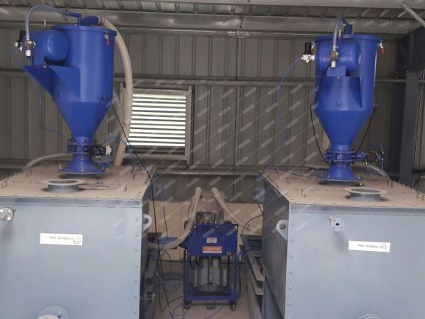 Hopper loader for pneumatic conveying system
