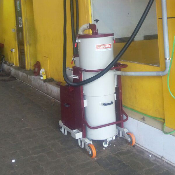 Centralized Vacuum Cleaner for Car Garage