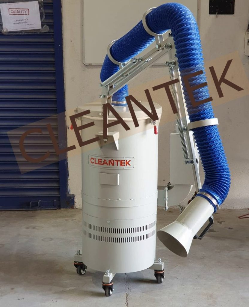 Dust collector with suction arm for dust collection in various position